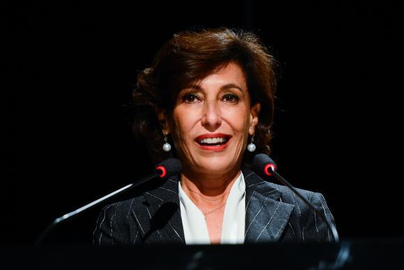 Presidente do BNDES comunica demissão a Temer