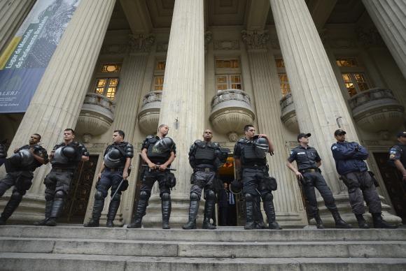 Pezão pede a Temer envio da Força Nacional para combater criminalidade