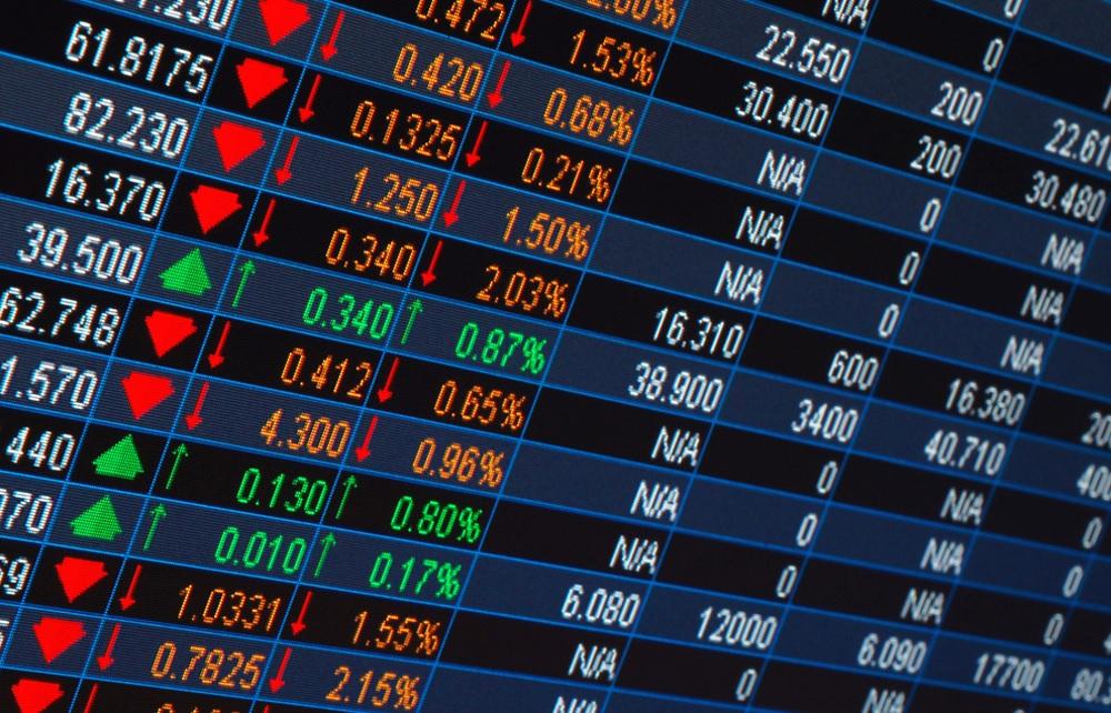 b565c34145da O Ibovespa fechou segunda-feira (28) em queda de mais de 4%, com  investidores preocupados com reflexos da greve dos caminhoneiros nas contas  públicas e no ...
