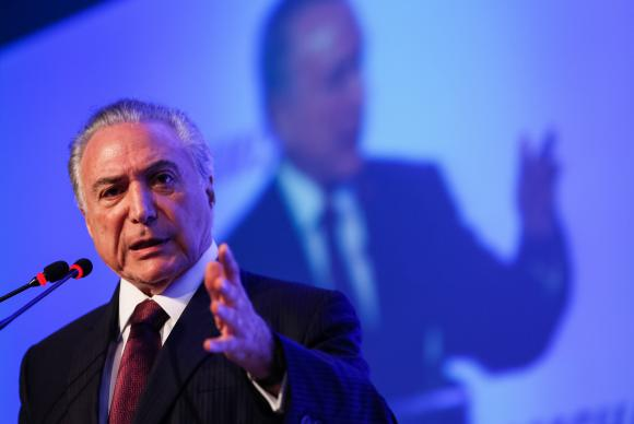 Governo pode remanejar gastos por intervenção no RJ, afirma Meirelles